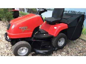zahradní traktor starjet 20 hp červené barvy u plachty traktory kolín