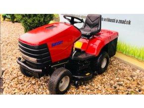 zahradní traktor karsit 20/102h červené barvy před plachtou traktory kolín