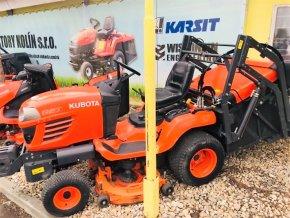 profi zahradní traktor kubota G23 oranžové barvy u plachty traktory kolín