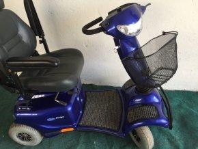 elektrický vozík modrý