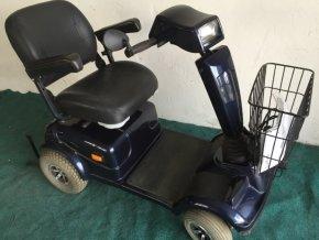 elektrický vozík tmavý