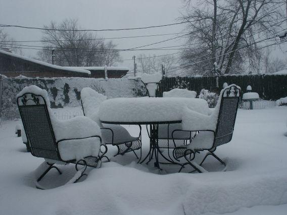 Jak uskladnit zahradní nábytek přes zimu