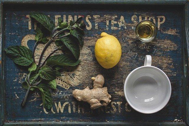Proč v létě jíst chilli a pít teplý čaj? Princip vnitřního ochlazení