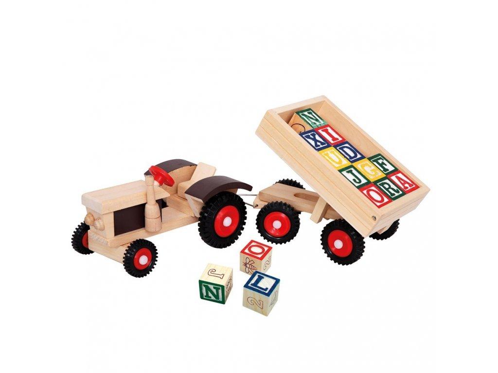 Traktor s gumovými koly a vlekem 17B82077