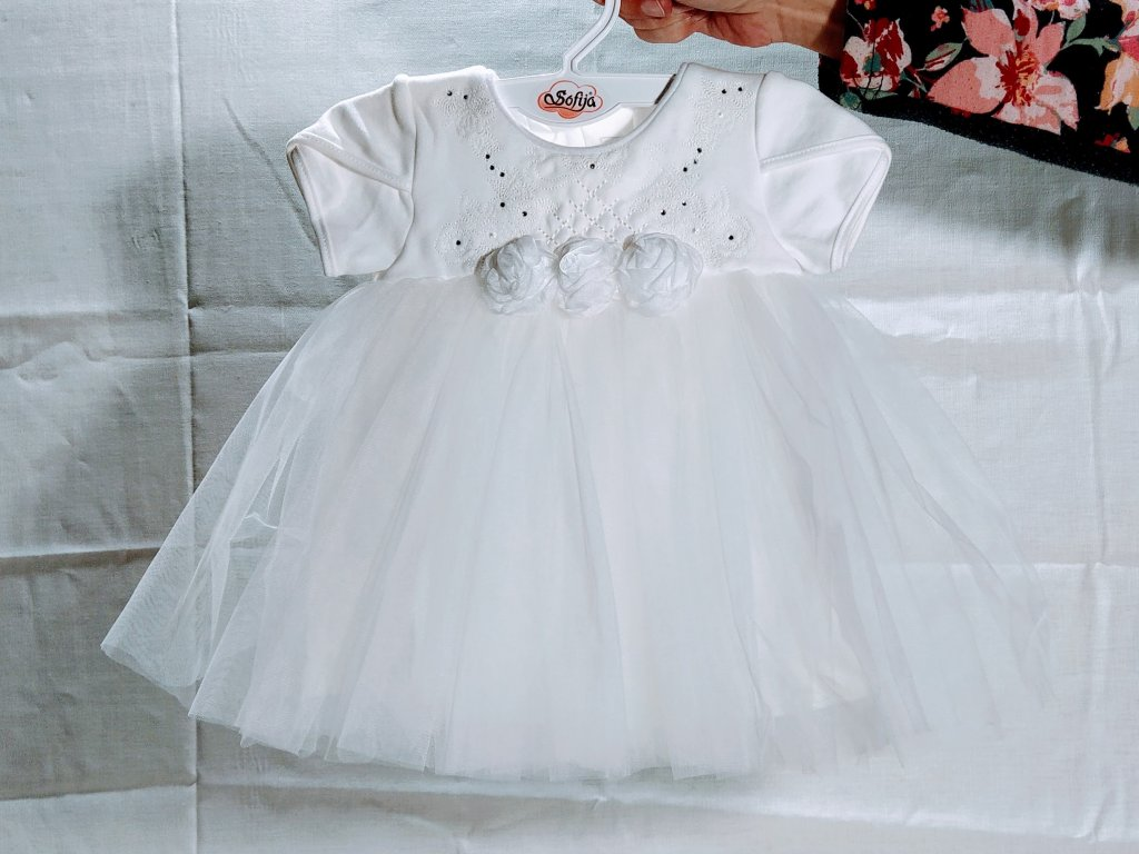 sváteční obleček bílý holka2