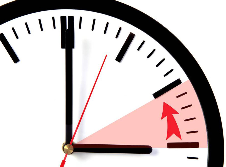 Vezměte to od podlahy. Se změnou času, změňte hodinky.