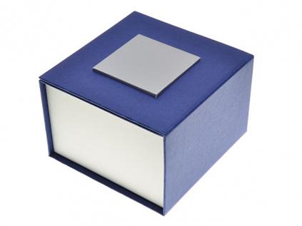 Modrá papírová krabička na náramkové hodinky