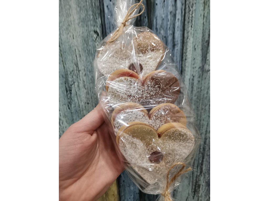 Linecká srdíčka kakaová s rybízovou marmeládou