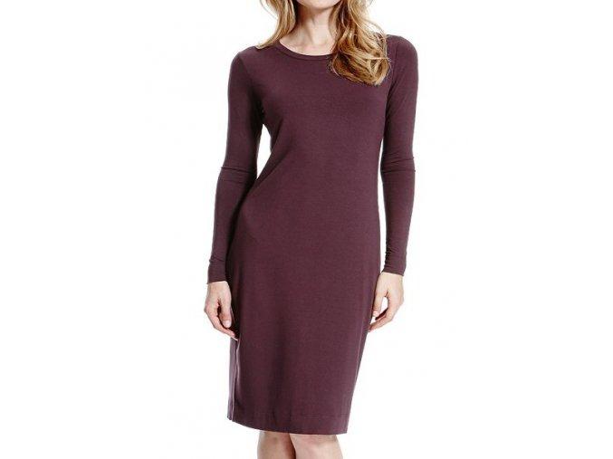 fialové šaty dlouhé triko