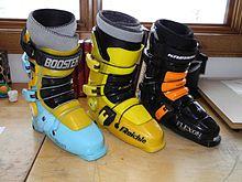 220px-Flexon_ski_boot_evolution