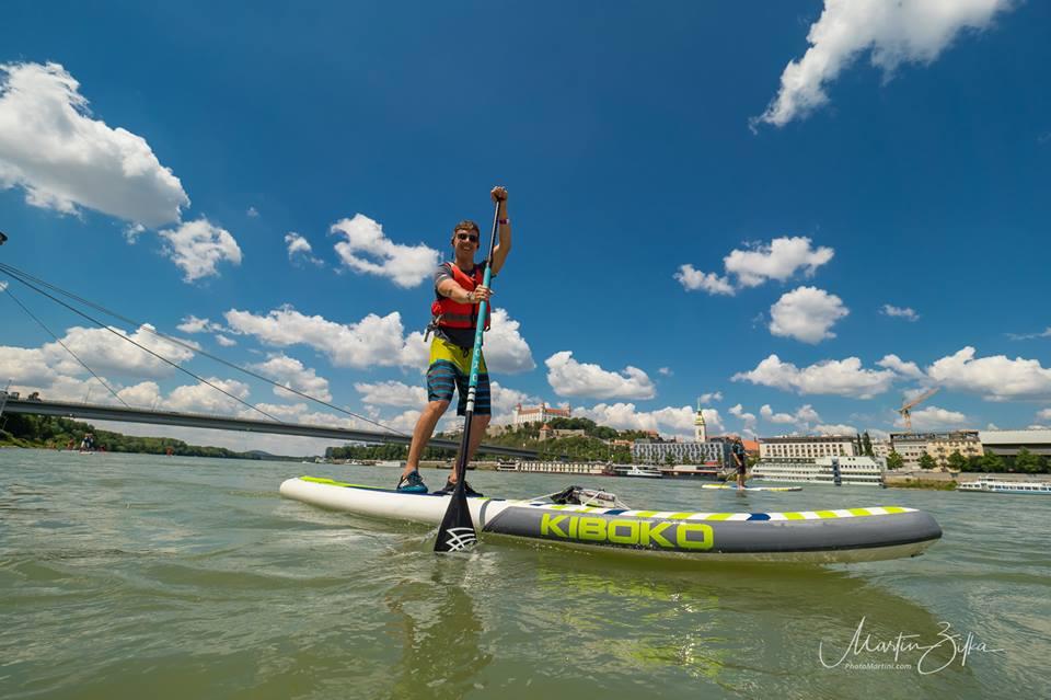 neonmars-pozicovna-paddleboard-na-preteky