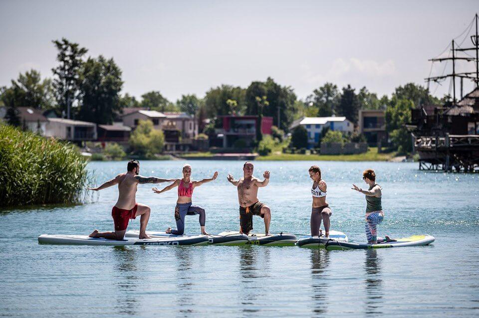 neonmars-zazi-super-leto-na-paddleboarde-5-must-have-zazitkov-sup-joga
