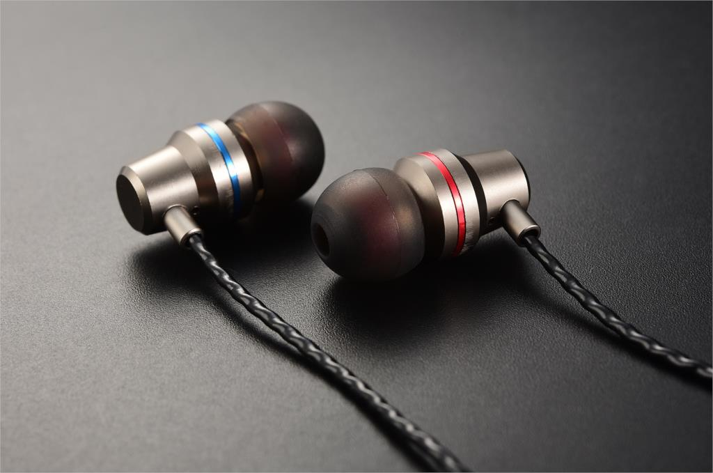 Headset QKZ DM1 s mikrofonem Barva: Stříbrná