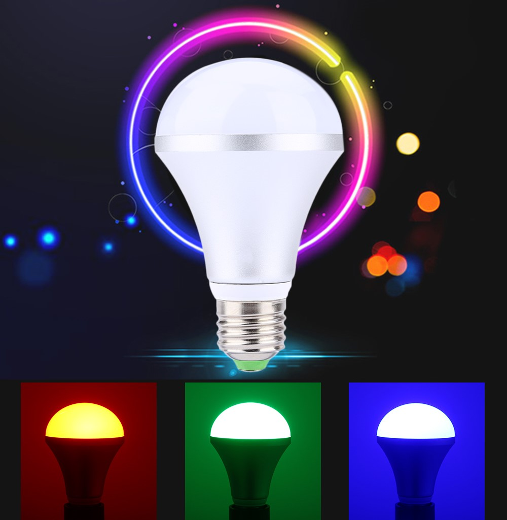 RGB LED žárovka, 10W, závit E27 + dálkový ovladač