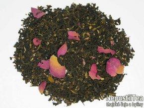 thajsky cerny caj s pelargonii a ruzi 900x674 01