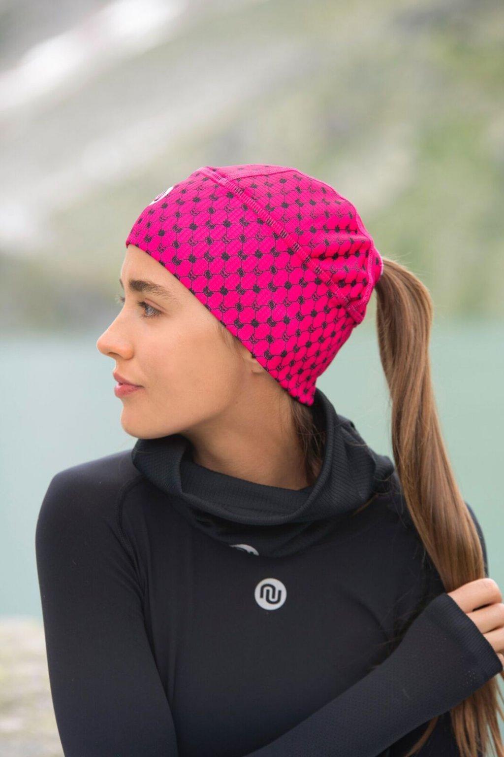Zateplená sportovní čepice s otvorem ACO-9G2 - Galaxy pink