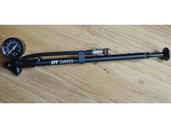 Pumpa DT Swiss na odpružené vidlice a tlumiče