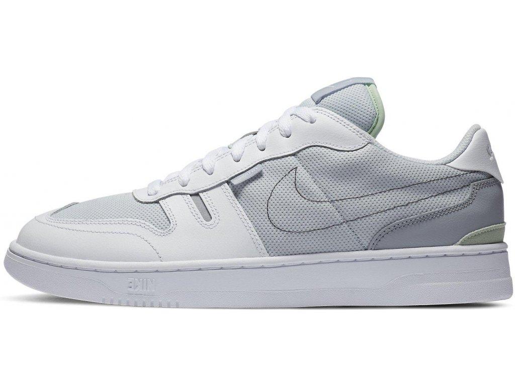 Obuv Nike Squash typu (Velikost 40 EU)