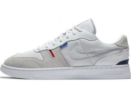 Obuv Nike Squash-Type (Velikost 38,5 EU, BARVA Bílá)