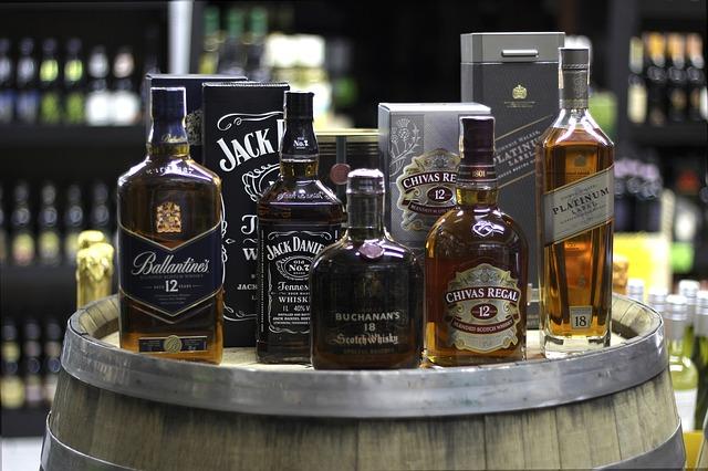 whiskey-3874925_640