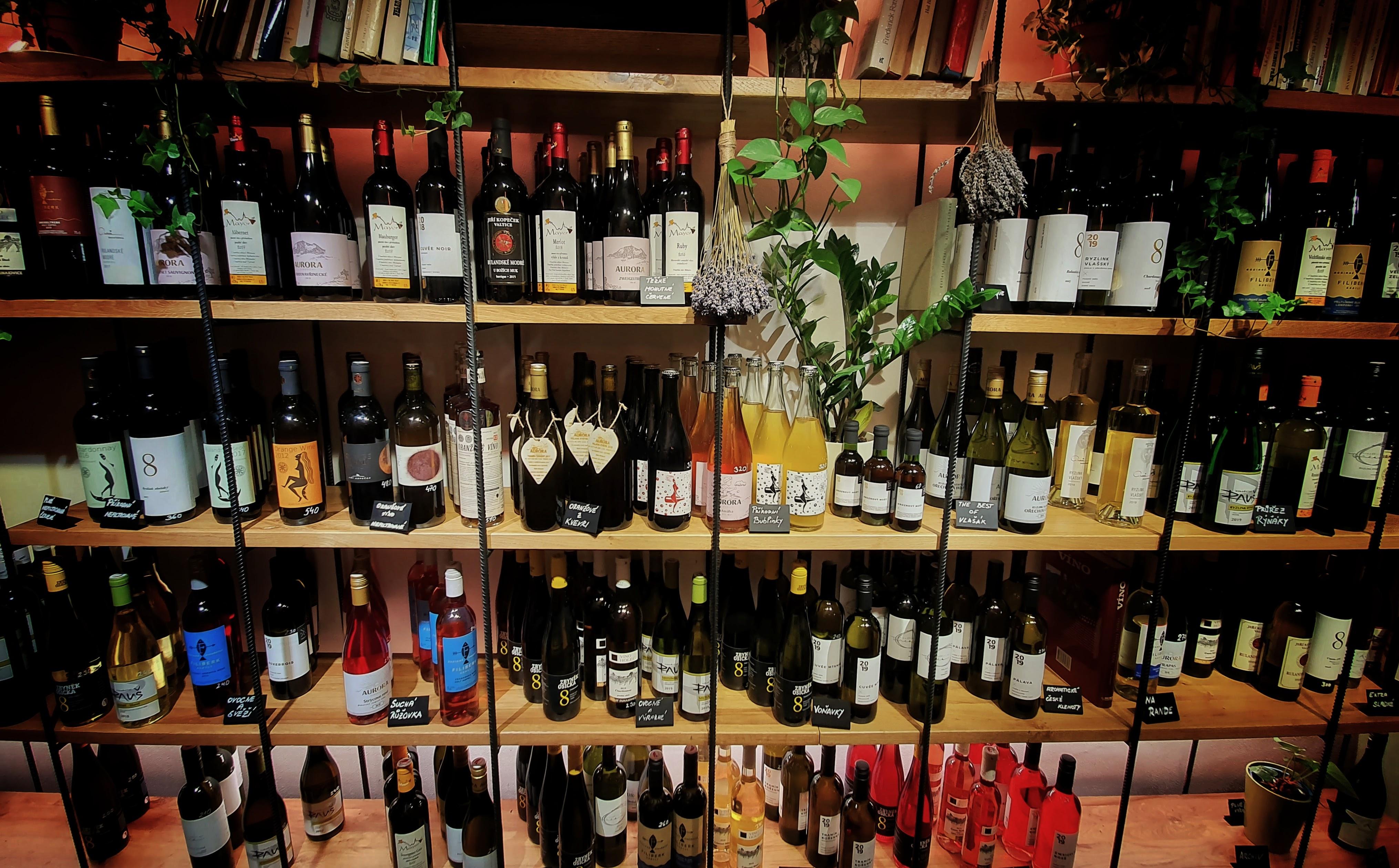 víno od neznámých vinařů