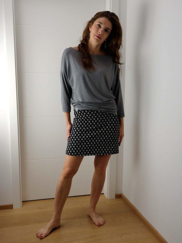kratka sukne cerna s listky2 nicebelly