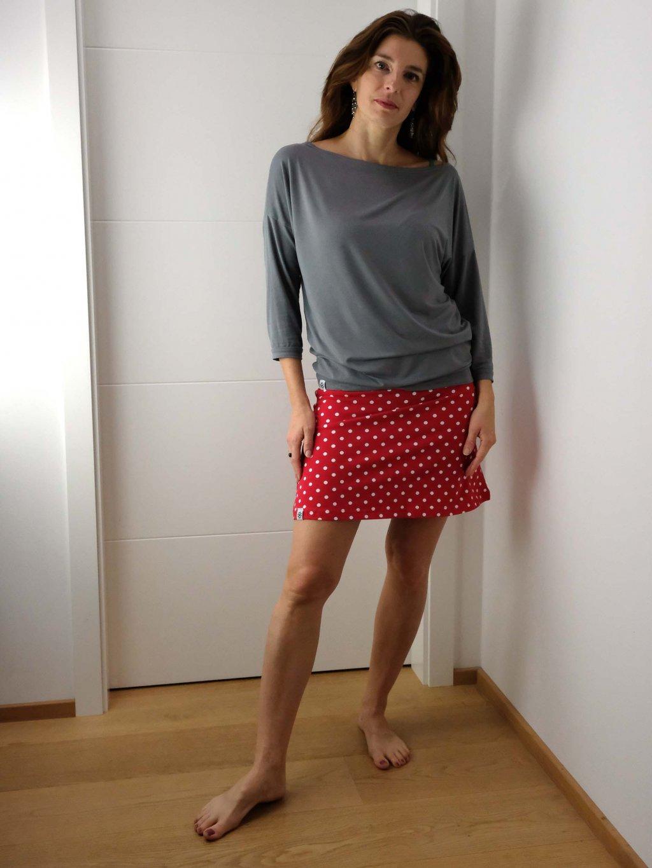 kratka sukne cervena s puntiky1 nicebelly