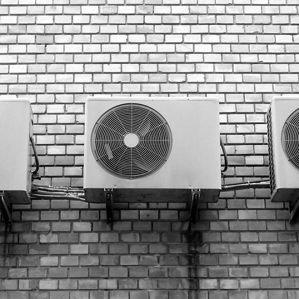 Klimaanlage für die Wohnung – was ist besser, eine mobile oder eine Wandklimaanlage?