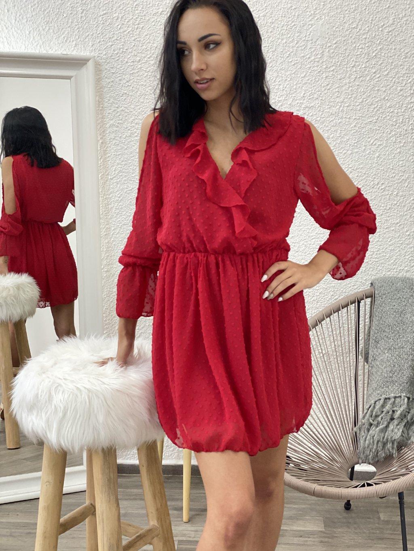 Šaty s průstřihem na rukávech červené