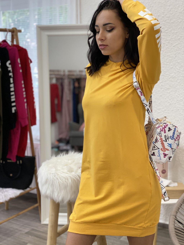 Mikinové šaty s nápisem žluté