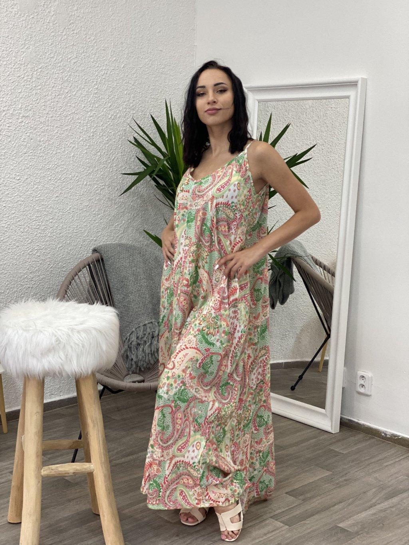 Šaty dlouhé se vzory zelené