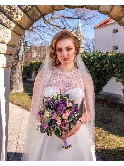 Svatební závoj v barvě ivory