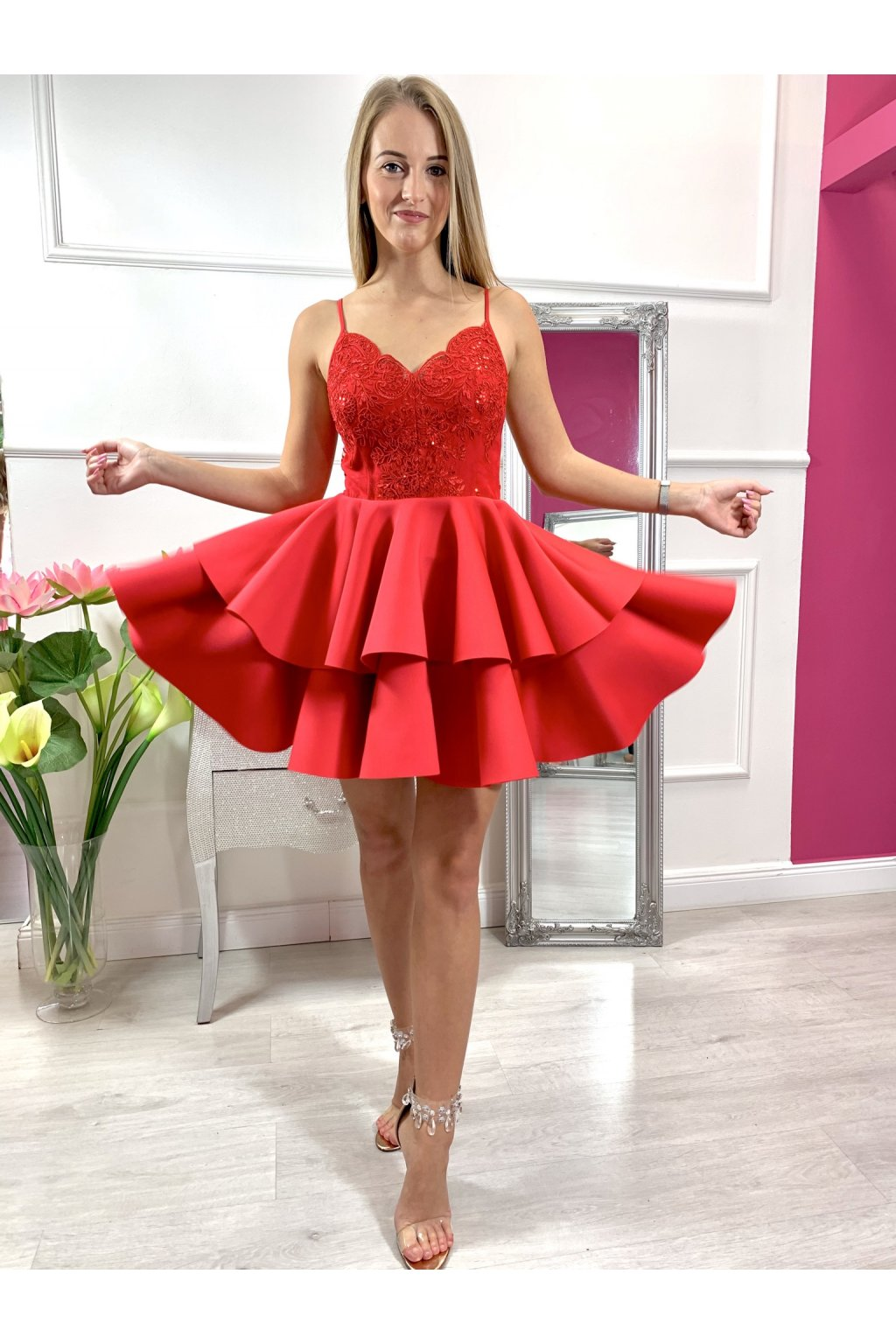 LEILA krátke spoločenské šaty červené