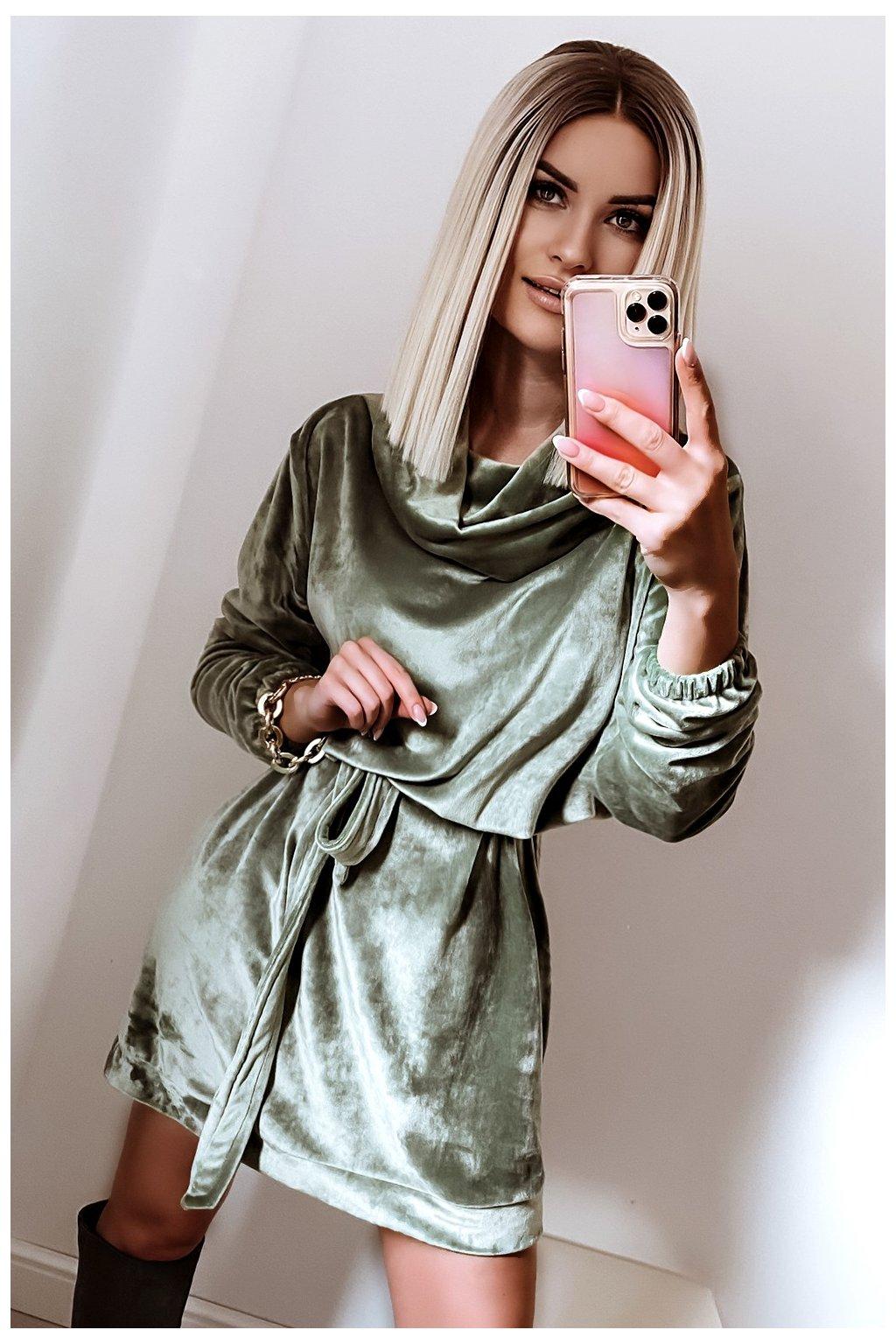 Voľné zamatové šaty s rolákom - Olive