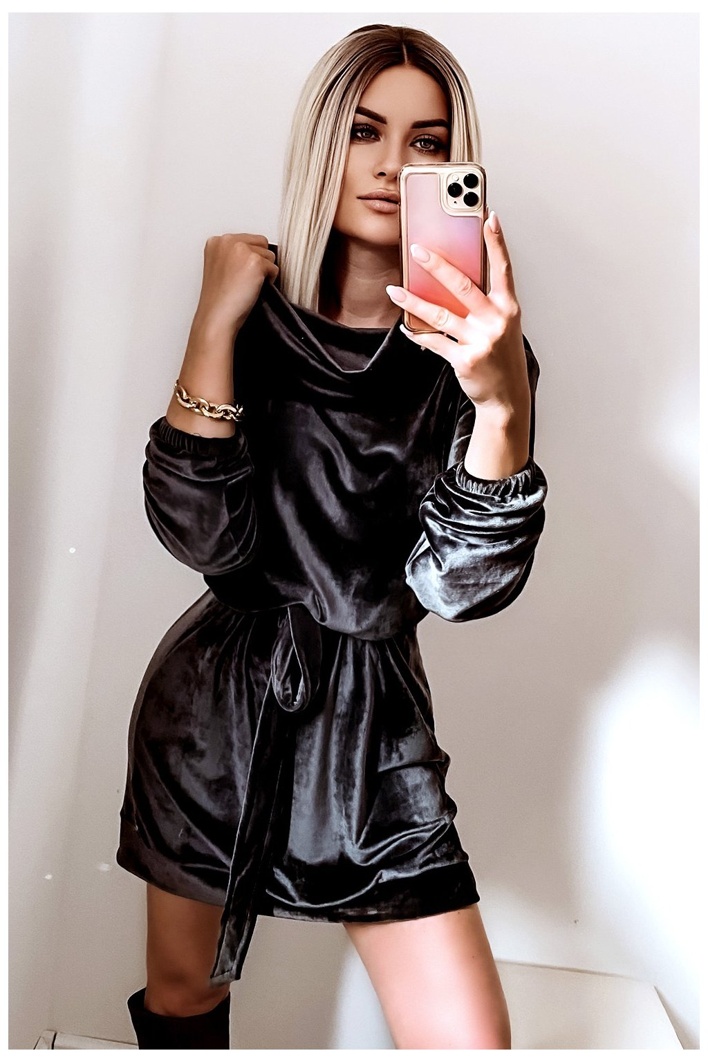 Voľné zamatové šaty s rolákom - Graphite