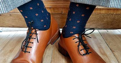 Ponožky na noze muže