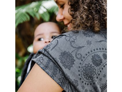 fidella flyclick plus baby carrier classic persian paisley charming black