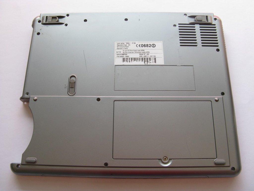 Spodní kryt pro NEC Versa M300