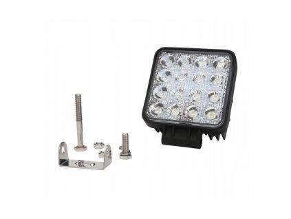 Přídavný couvací nebo pracovní LED světlomet