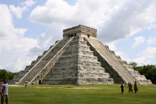 aztecka-pyramida