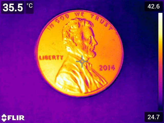 Mince viděná termokamerou FLIR