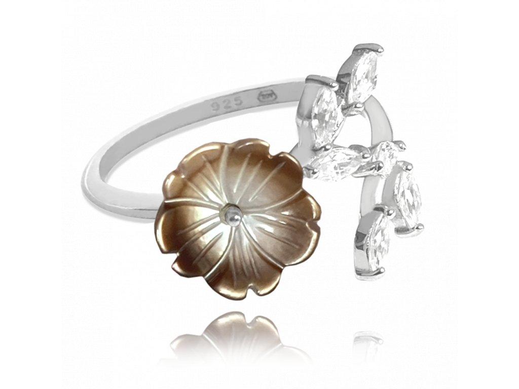 Černý rozkvetlý stříbrný prsten MINET FLOWERS se zirkony vel. 56