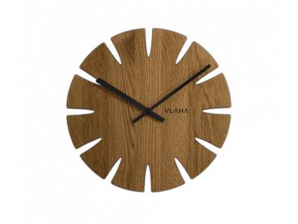 Dubové hodiny VLAHA vyrobené v Čechách s černými ručkami