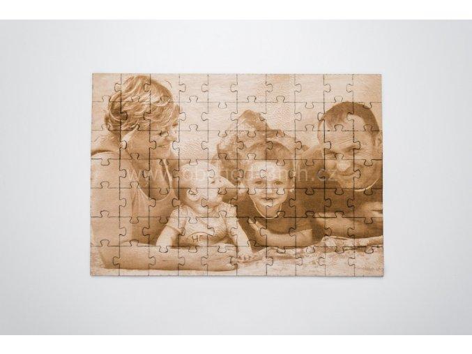 Dřevěné puzzle z fotografie