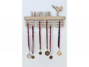 Věšák na medaile - dřevěný se jménem - Karate