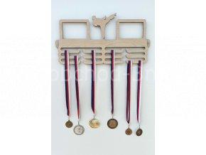Věšák na medaile - dřevěný s fotorámečkem na 2 ks fotografií - Karate