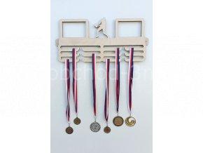 Věšák na medaile - dřevěný s fotorámečkem na 2 ks fotografií - volejbal
