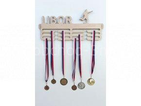 Věšák na medaile - dřevěný se jménem - fotbal