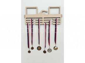 Věšák na medaile - dřevěný s fotorámečkem na 2 ks fotografií - plavání
