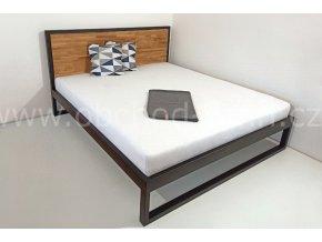 Kovová postel ECHT - masivní dub